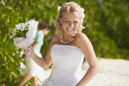 Ringar & fest en del av shoppingen vid bröllop